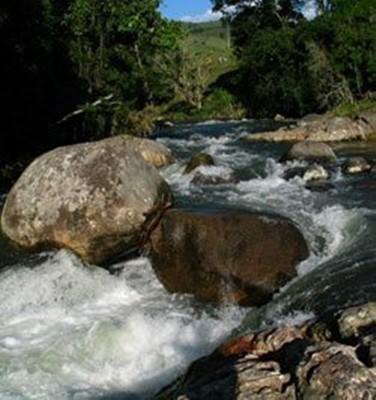 Rios, nascentes, corredeiras, cachoeiras e muito mais, tudo em abundância