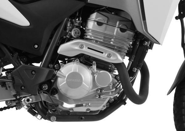 O motor é o mesmo da CB300 e é uma evolução daquele que equipava as Twister e Tornado 250