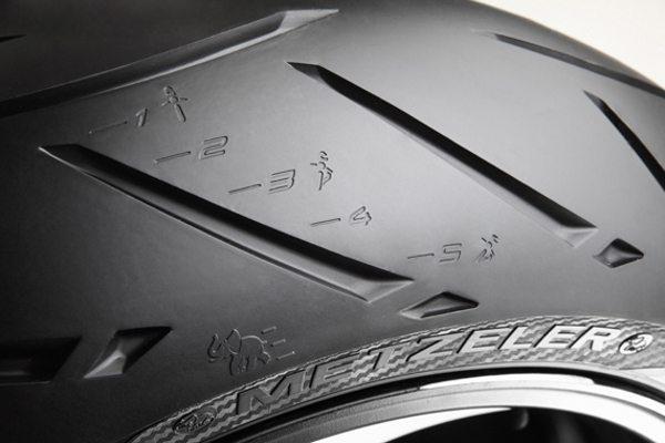 O perfil do pneu de uma roda deve combinar com o da outra - é importante para a dinâmica das curvas