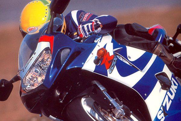 Acompanhe o teste que fiz em 2000 no circuito de Misano Adriático, com a espetacular Suzuki GSX-R 750