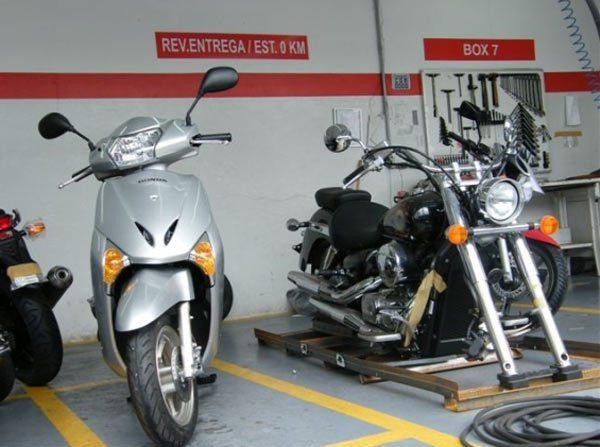 A revisão de 1000Km da Honda LEAD