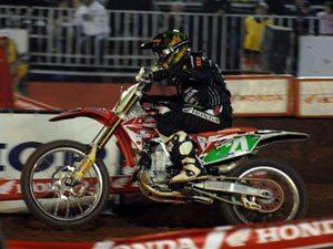 Foto: Wellington Garcia, piloto da categoria Pro do Team Honda no Arena Cross