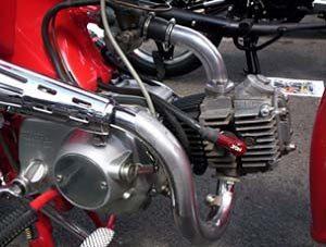 Numa Honda S-65 reconstruiu seu primeiro cambio de moto