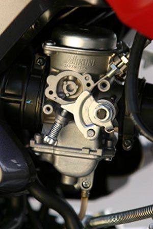 Carburação (3): Sistemas de aceleração e sincronizando carburação