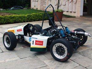 Foto: Para esta edição, o carro da FEI inovará com um sistema de comunicação entre o piloto e o box
