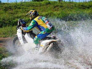 Foto: André Chaco / Foto Arena - Setenta motos participam do Rally dos Sertões
