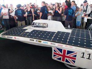 Corrida de carros solares