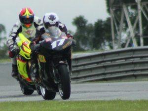 Danilo Lewis estreia em uma superbike com 6º. lugar