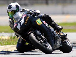 Foto: Danilo Lewis acelera pela primeira vez uma superbike em Curitiba (PR
