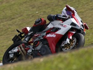 Foto: Lewis, atual vice-líder Superbike Series – categoria 600cc