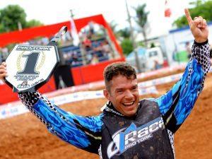 Foto: Davis irá correr com o sonhado número um e pretende melhorar ainda mais o desempenho