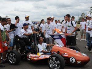 De hoje (19) até domingo (21) - Americana/SP tem competição de carros tipo fórmula construídos por estudantes de engenharia