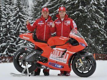 Foto: Ducati Marlboro unveils the new Demosedici GP10