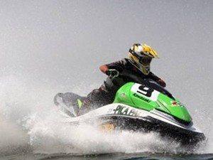 Dustin Farthing é campeão mundial de jetski