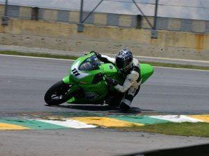Foto: Douglas Figueiredo foi o grande vencedor na nova categoria, a 250cc Ninja