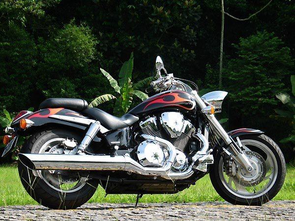 Esporte custom: Honda VTX 1800C
