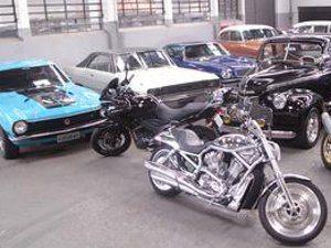 GARAGE tem espaço para sua motocicleta ou carro antigo