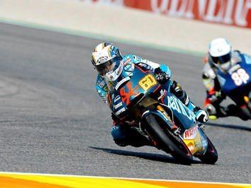 GP 125 - Simón na frente da grelha de 125cc em Valência
