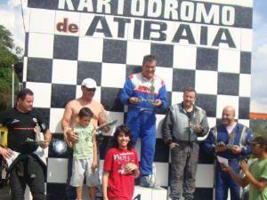 Kart: Mega Kart domina RD 135 em Atibaia e comemora mais um título