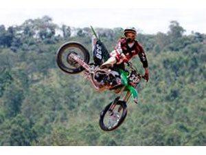Kawasaki e Vaz investem no Motocross e divulgam equipe oficial
