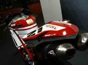 Foto: Ducati Stoner, ele não anda na rua - Bitenca