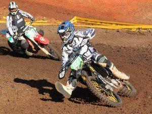 Foto: Valter Guilherme - Scott Simon foi o primeiro na MX1 e MX2