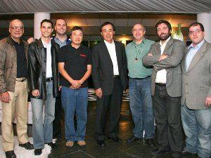 Foto: Mario Bock - Equipe Motonline com o presidente da Abraciclo, Jaime Matsui