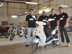 Foto: Luiz Sérgio (Diretor de Produção), Rui Almeida (Diretor de RI), Michael Fulton (Global Key Acount Manager E-Max) e Island Faria (Diretor de MKT)