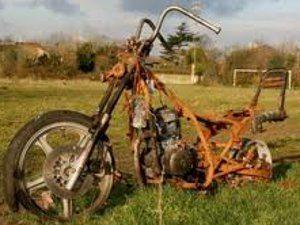 Foto: Mandei lavar minha moto e enferrujou tudo - Bitenca