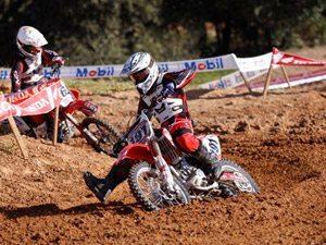 Foto: Diego Hening, piloto satélite Honda da categoria MXJr na Superliga Brasil de Motocross
