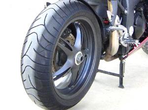 Foto: Mito das listas no pneu - Bitenca