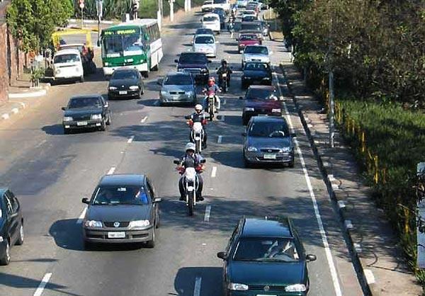 Por mais dignidade e segurança                         no trabalho diário com motos