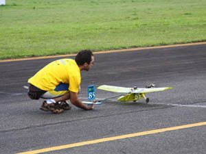 Foto: Avião da equipe EESC USP Micro, da Classe Micro, formada também por alunos da USP São Carlos