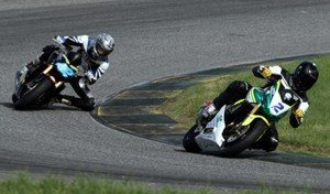 Foto: Luiz Pires/VIPCOMM - Pierre Chofard (2) foi o mais rápido nos treinos livres