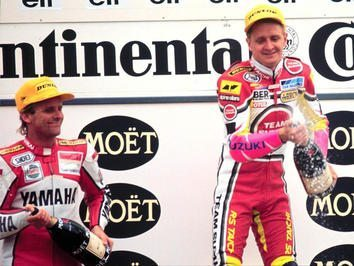 Foto: Kevin Schwantz e Wainey Rainey no podium