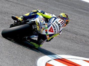 Rossi domina em casa com pole em Misano