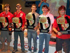 Foto: Os campeões Filipe, Sandro, Breno, Telão e Gil. Festa capixaba em Salvador - Foto de Adalto Gomes Filho