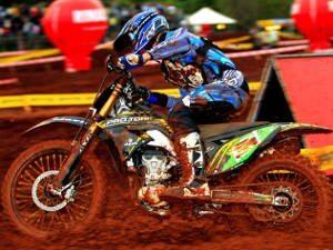 Foto: Divulgação CBM - O americano Scott Simon é o grande nome do Pro Tork Brasileiro de Motocross 2010
