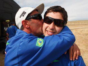 Foto: Ratinho recebe o carinho de seu pai Gui Lima