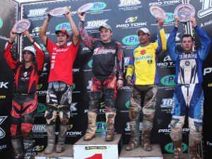 Foto: Valter Guilherme/Divulgação FPRM - Oncinha, Zanol, Stedile, Nielsen e Thomazini no pódio da categoria XC1