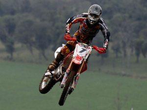 Foto: Maurício Arruda/VIPCOMM - Swian Zanoni lidera a categoria MX2
