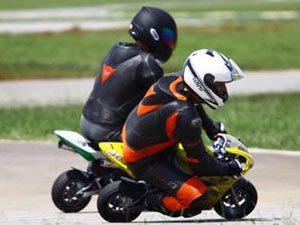 Foto: As mini-motos levaram o público ao delírios com suas disputas
