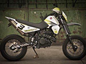 Foto: Releitura da XLX 350 pela Oficina Aleart Bike Tuning