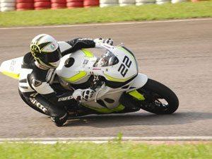 Foto: Com o tempo da pole position Pierre Chofard é o novo recordista da Motovelocidade em Guaporé