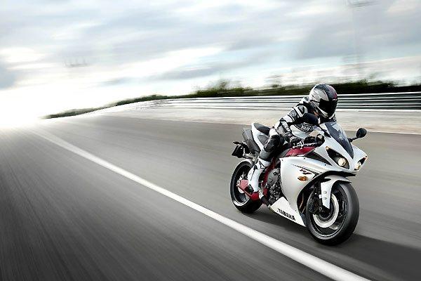Yamaha lança a YZF-R1 2009