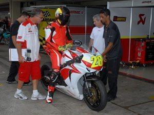 Zandavalli anuncia estreia da Honda modelo 2010 para terceira etapa do Superbike Series