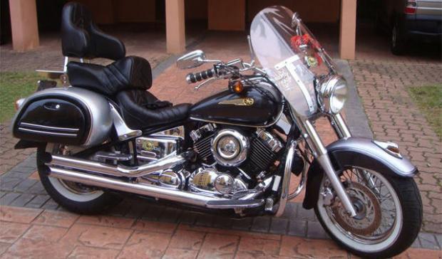 Yamaha DragStar criado pela Duna Custom