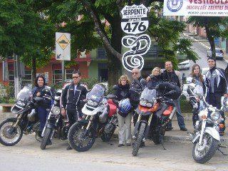 """Bruno e Marcela (à direita) vieram com a Honda Shadow pelo """"Rastro da Serpente"""": viagem cansativa"""