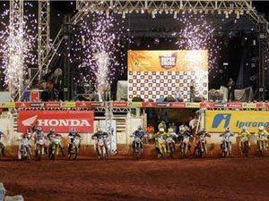 Abertura do Brasileiro de Supercross já tem estrutura pronta