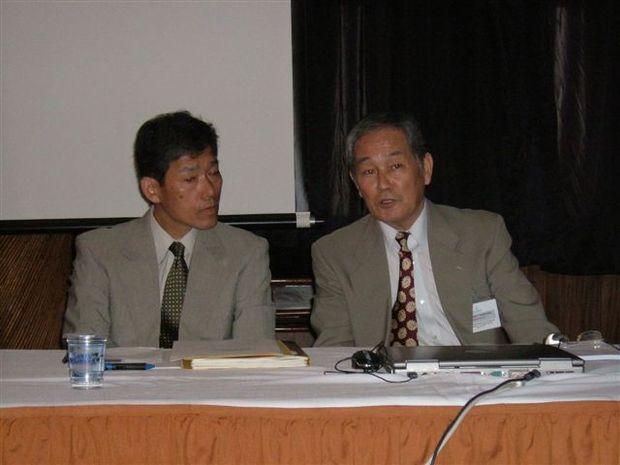 Foto: Sr. Koichiro Onuma teve tradu‡Æo do Sr. Tani